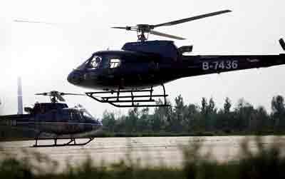 两架飞机起飞