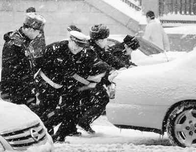 佳木斯,鹤岗等地降雪也在30毫米以上.
