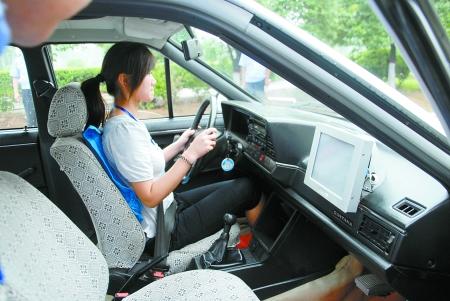 郑州/车里也有摄像头,想替考难上加难