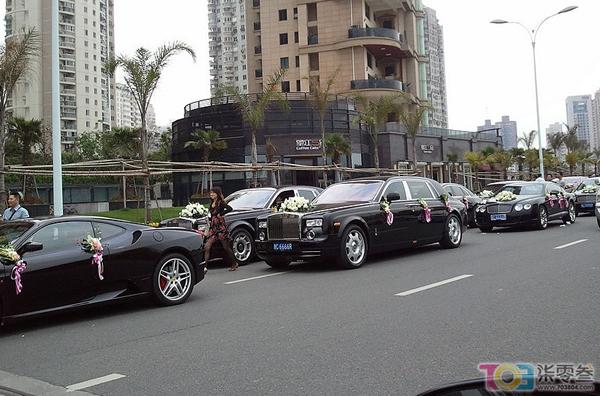 """温州超亿豪华婚车队""""叫板""""上海车展高清图片"""