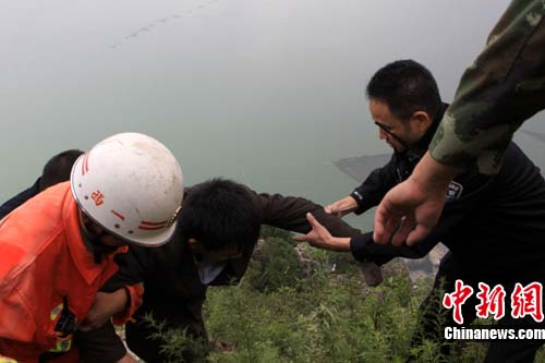 昆明/图为,被困者被安全获救。昆明警方供图