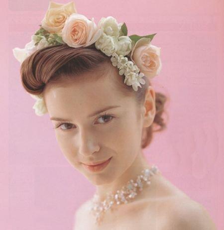 花朵长发优雅欧式新娘发型(组图)